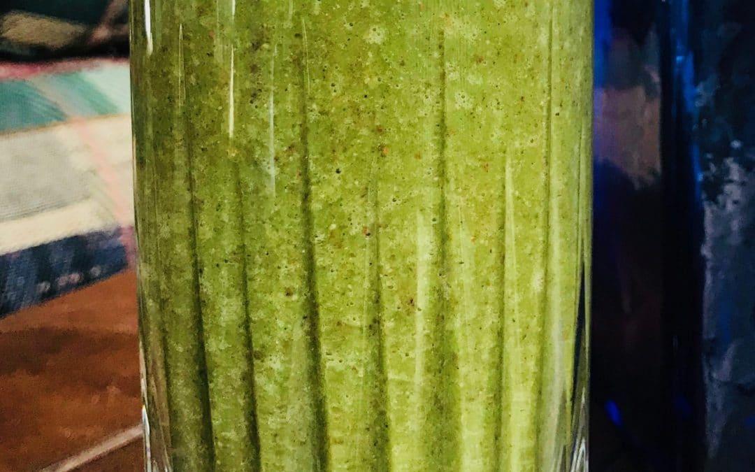 Banana-Cacao Green Smoothie